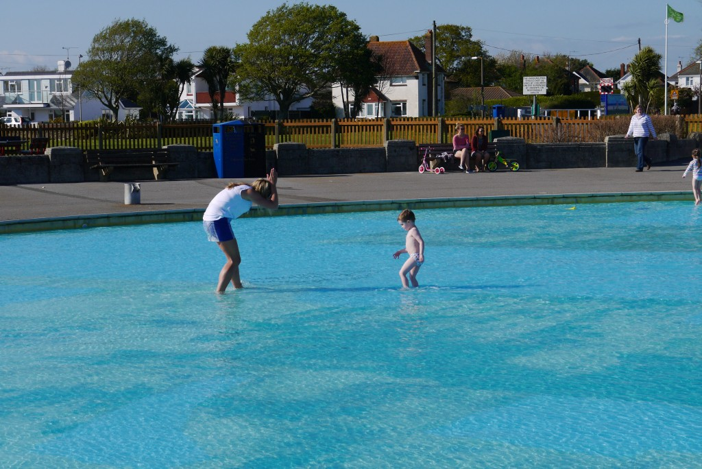 Hamworthy the southerner a lifestyle blog for Pop up paddling pool